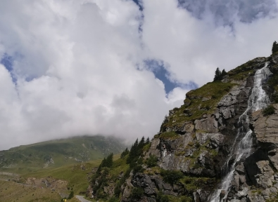 waterfall transfagarasan